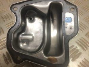 kx21-valve-cover-inside-failed - 1